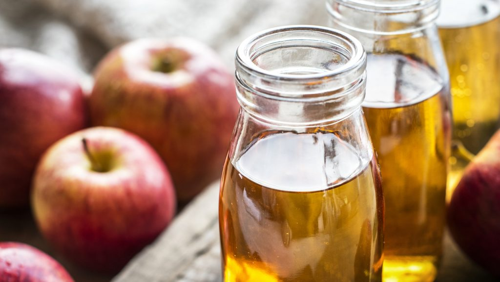 apple-apple-juice-beverage-bottle-cider-closeup-1442001-pxhere.com