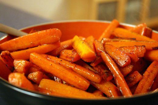 Glaserede gulerødder med ingefær og appelsinlikør